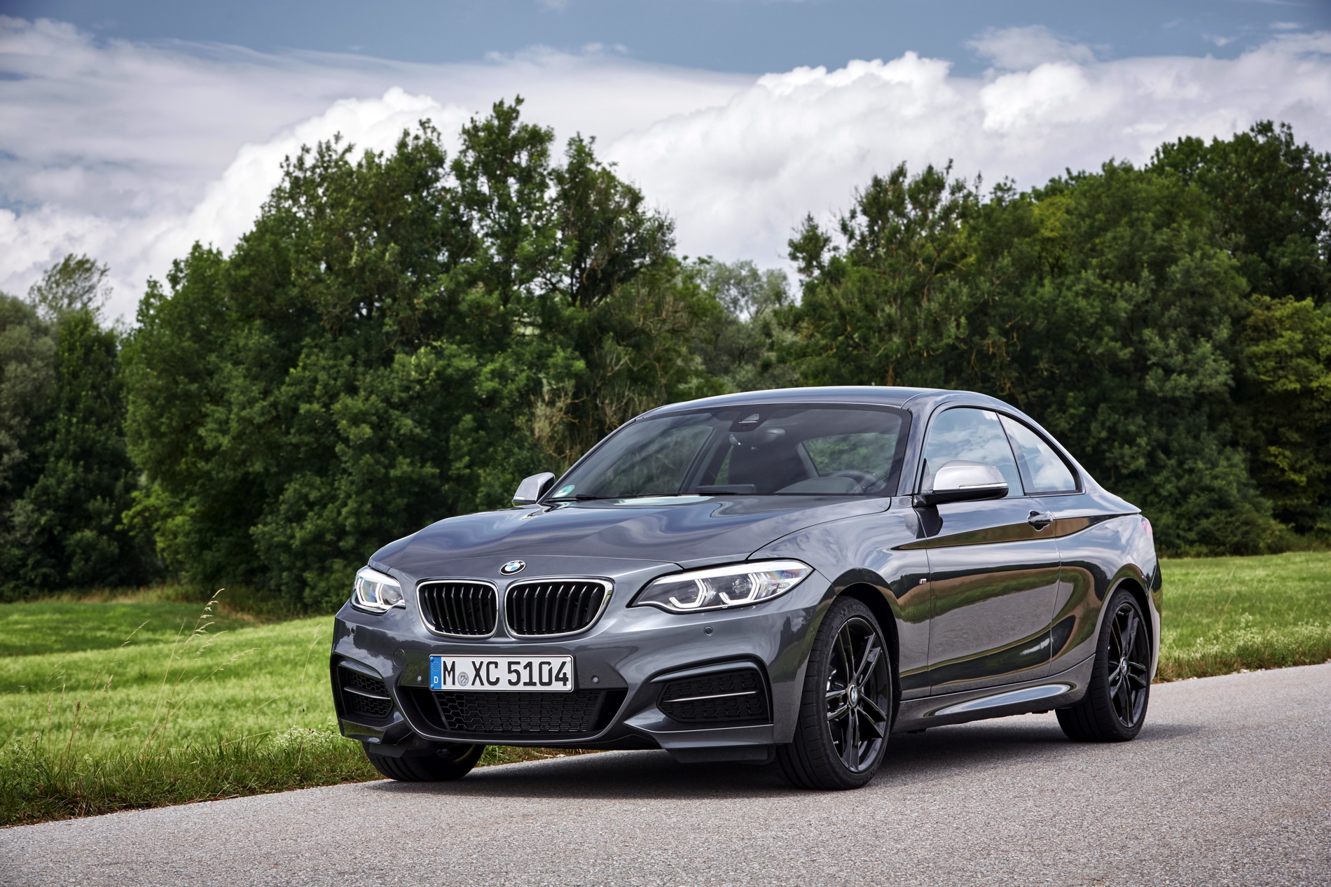 2017 BMW M240i photo gallery 38