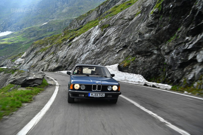 BMW E32 7 Series Romania 12 830x553