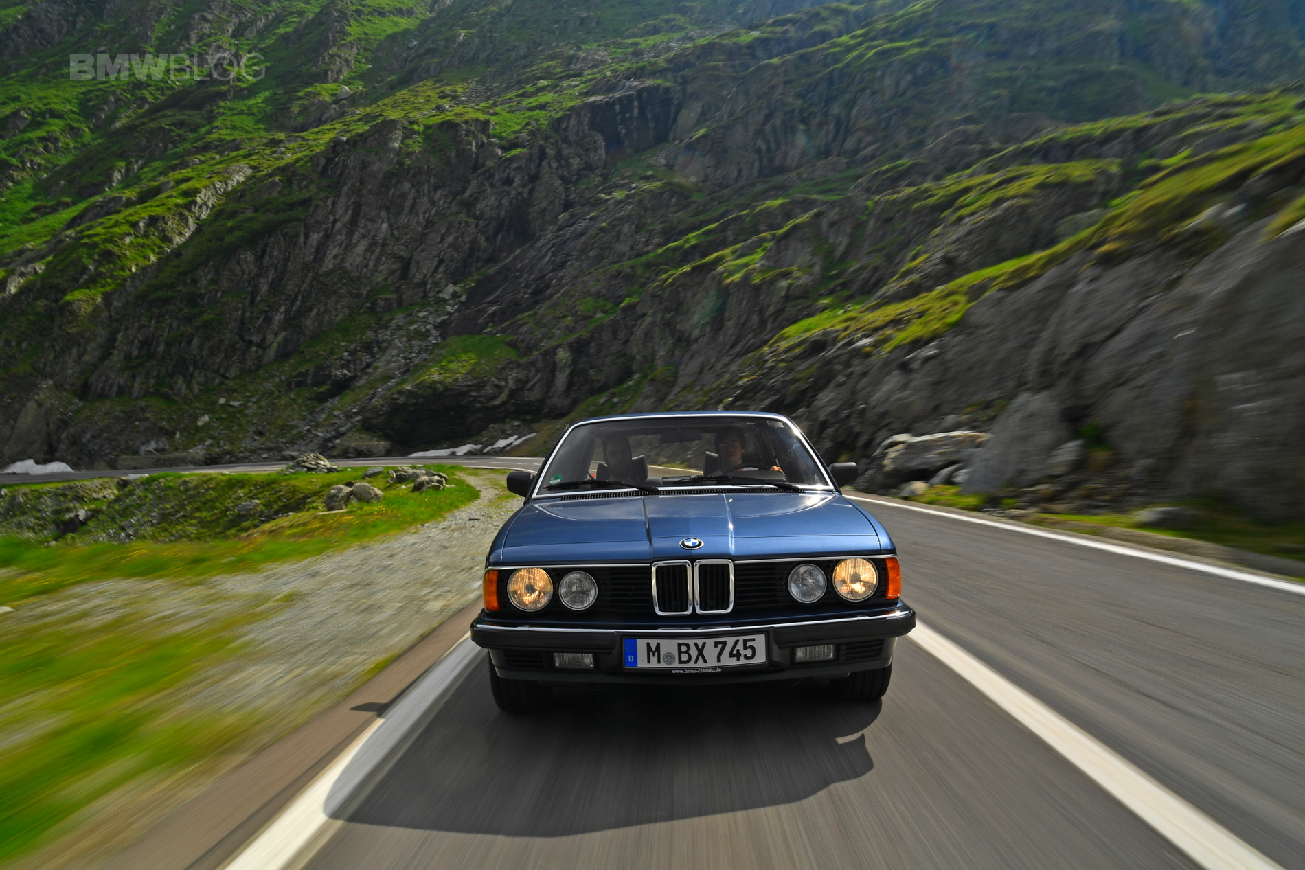 BMW E32 7 Series Romania 45