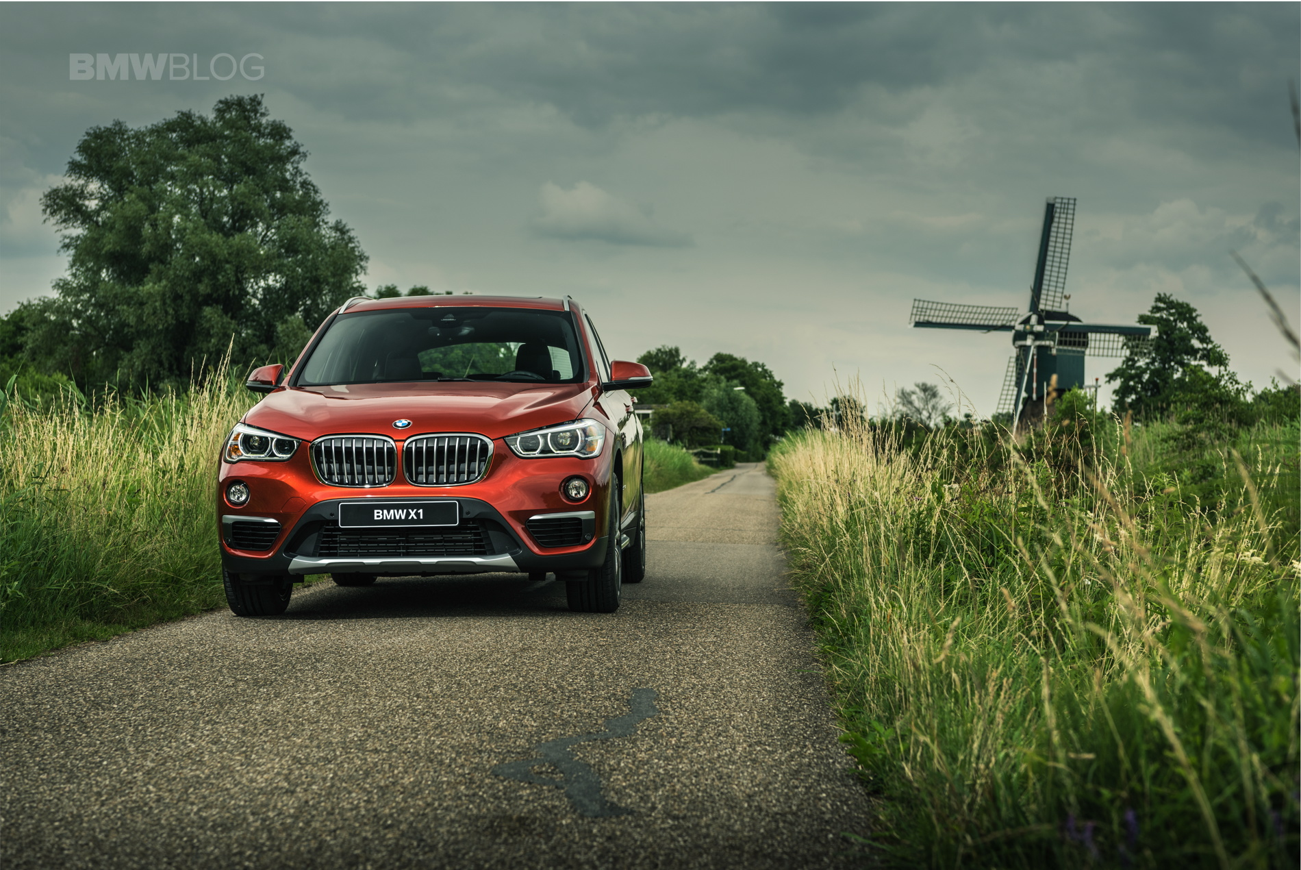 BMW X1 Orange Edition 16