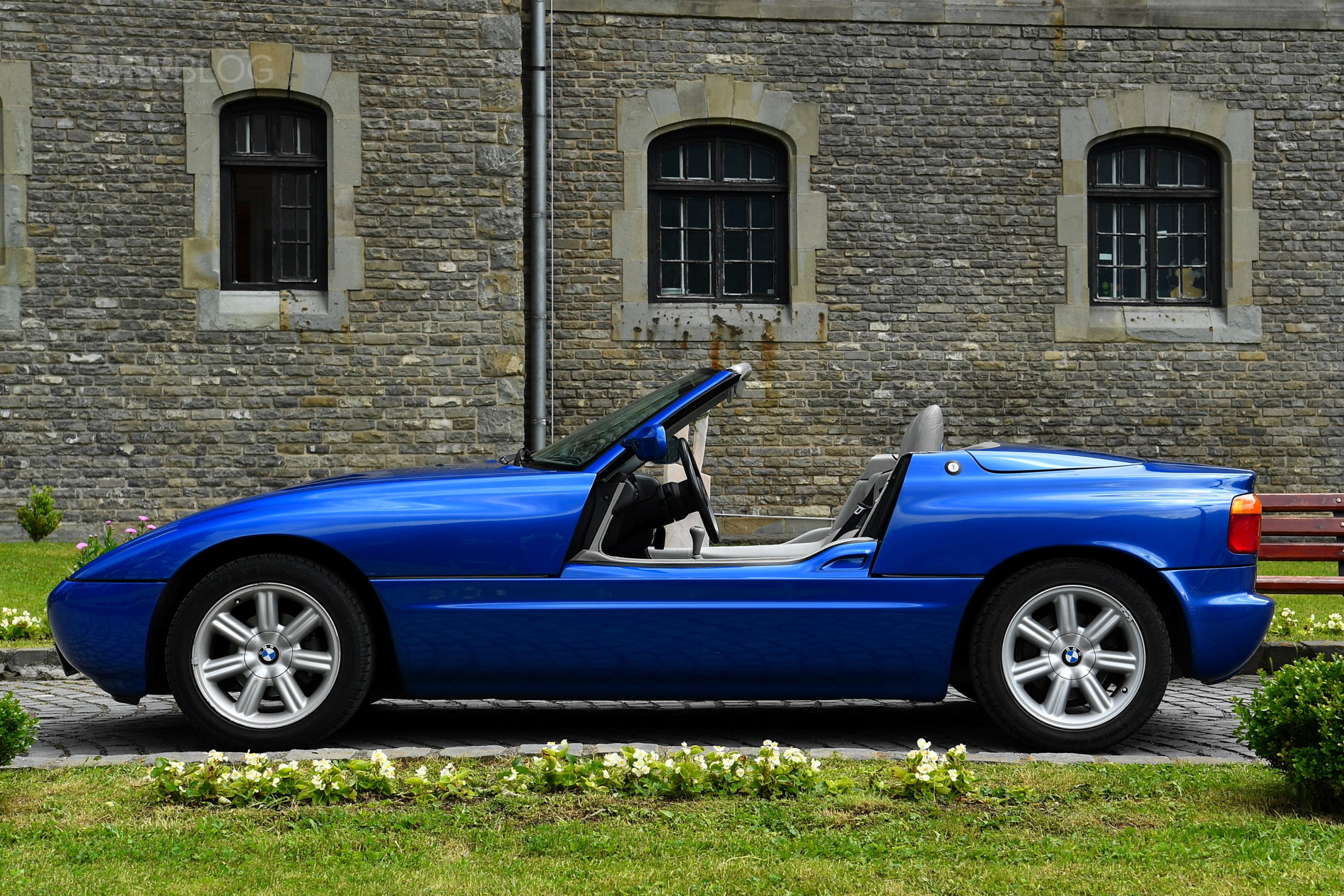Bmw Z1 Goes For A Ride In Transylvania