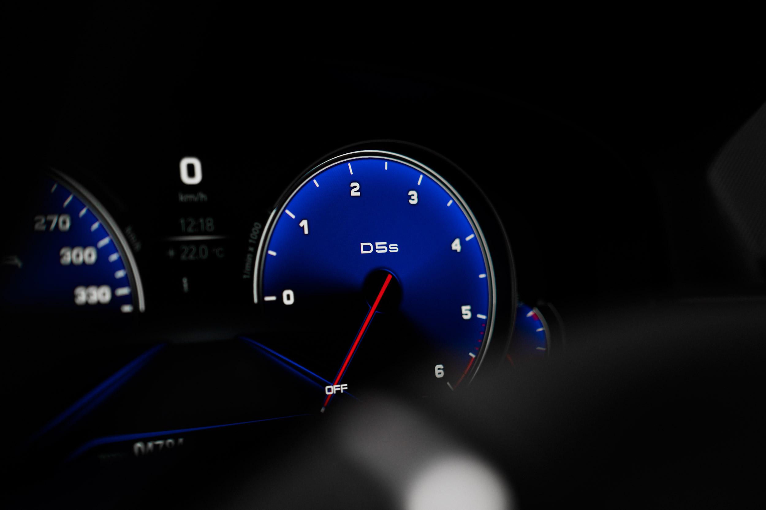 BMW ALPINA D5 S Teaser 02
