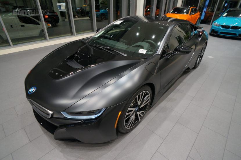 Frozen Black BMW i8 28 830x552