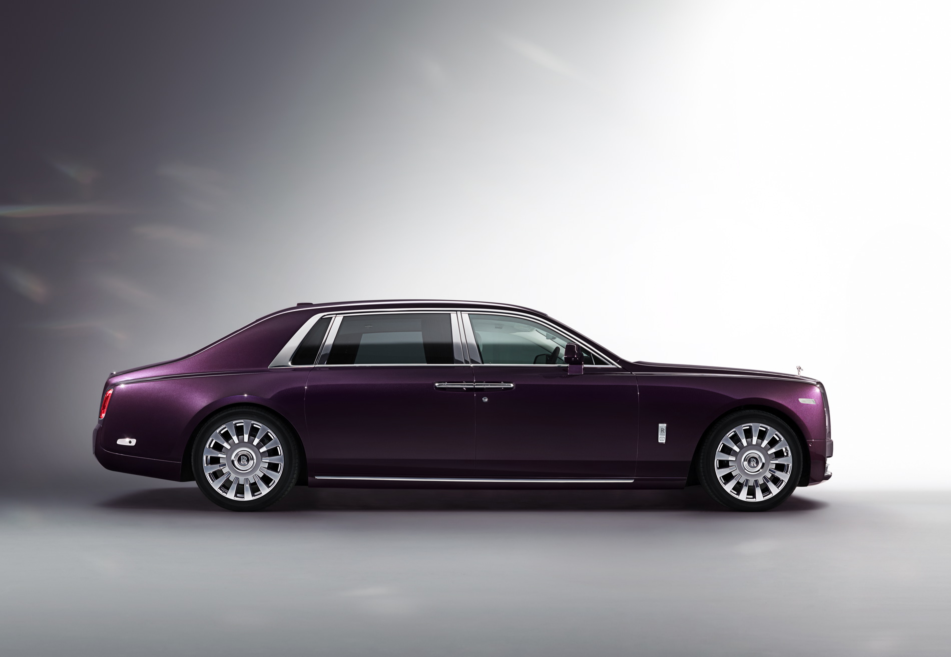 New Rolls-Royce Phantom Extended Wheelbase - Photo Gallery