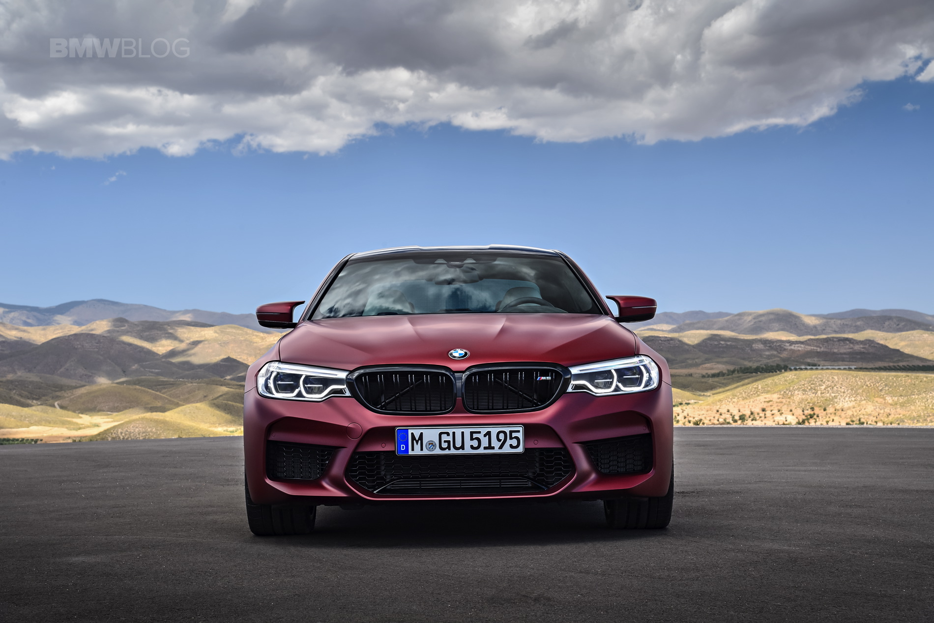 2018 BMW M5 Frozen Dark Red Metallic 05