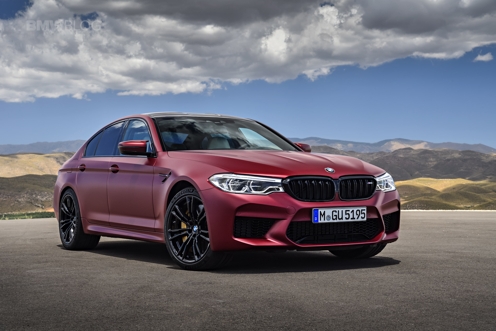 2018 BMW M5 Frozen Dark Red Metallic 07