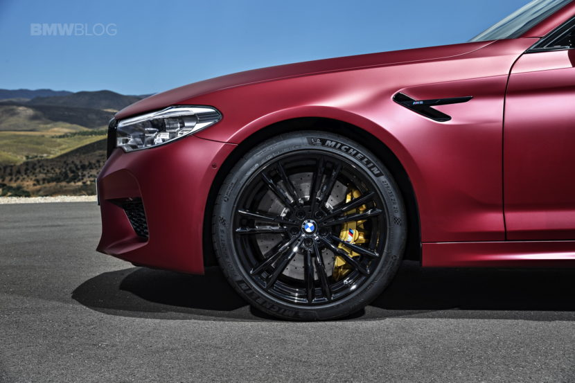 2018 BMW M5 Frozen Dark Red Metallic 12 830x553