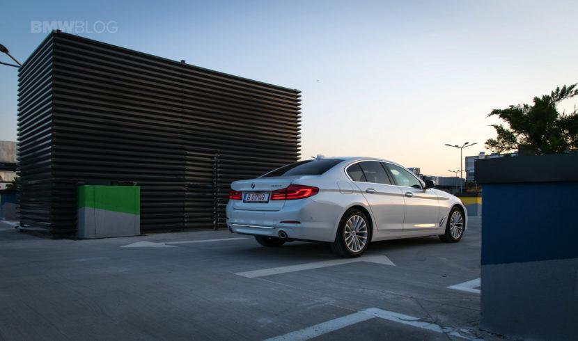 2017 BMW 520d Sedan test drive 48 830x490