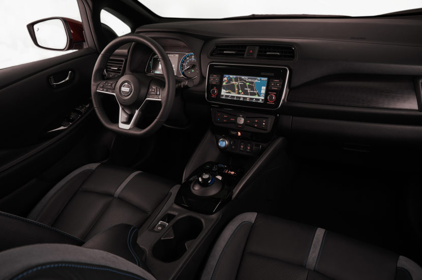 2018 Nissan Leaf dashboard 01 830x551
