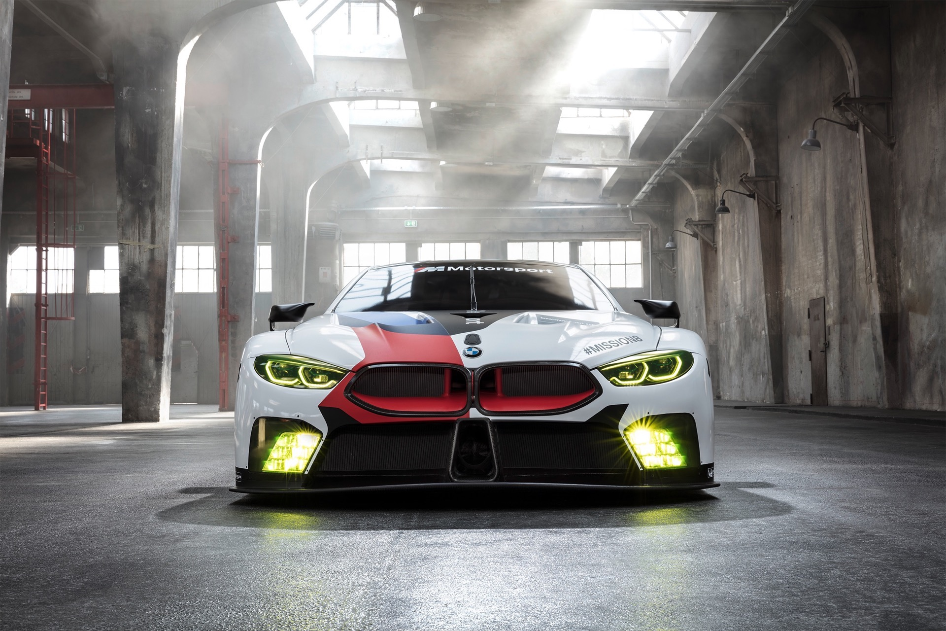 BMW M8 GTE0