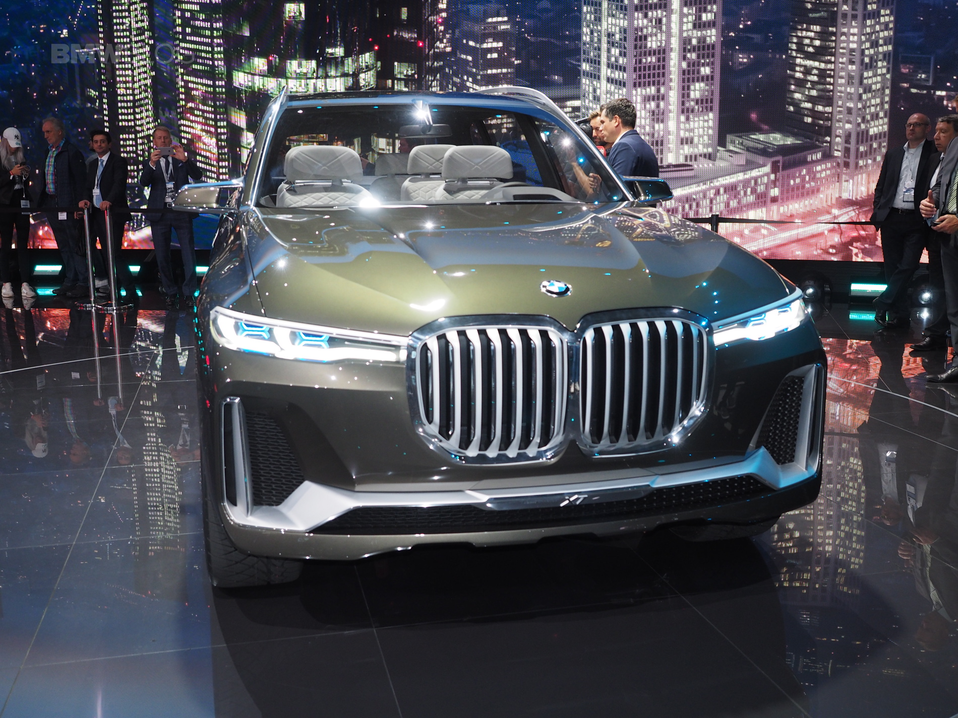 BMW X7 Concept Frankfurt 06