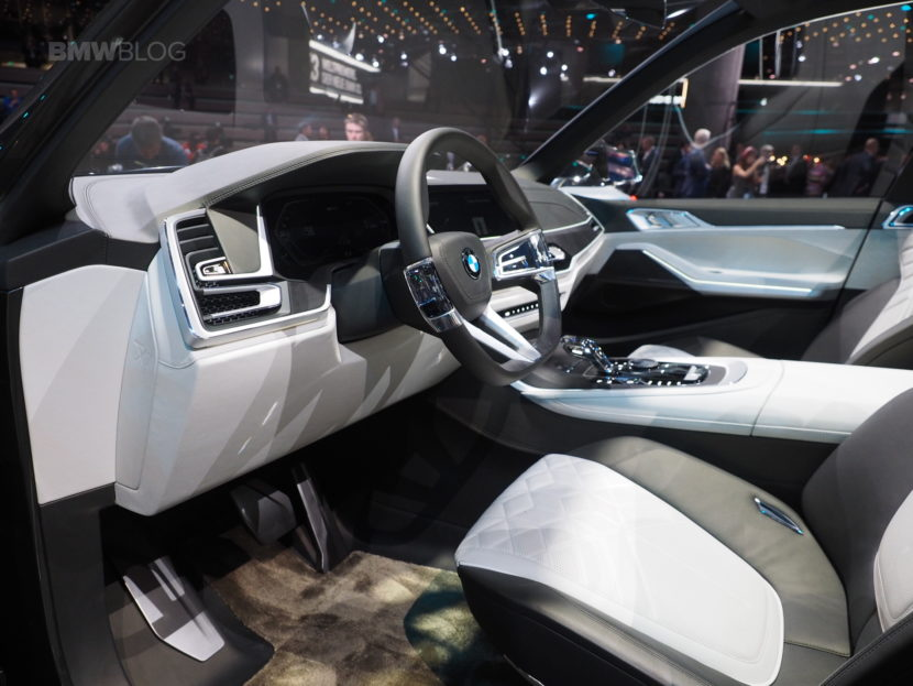 BMW X7 Concept Frankfurt 30 830x623