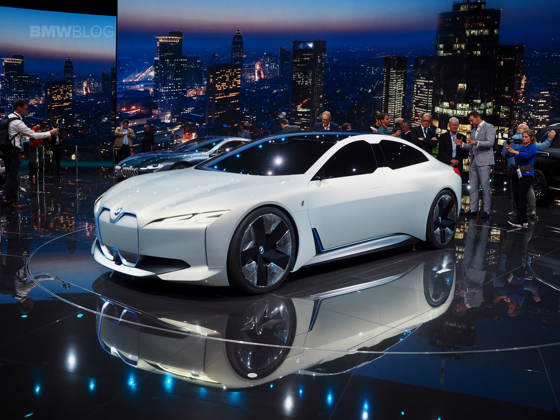 BMW i Vision Dynamics photos 01