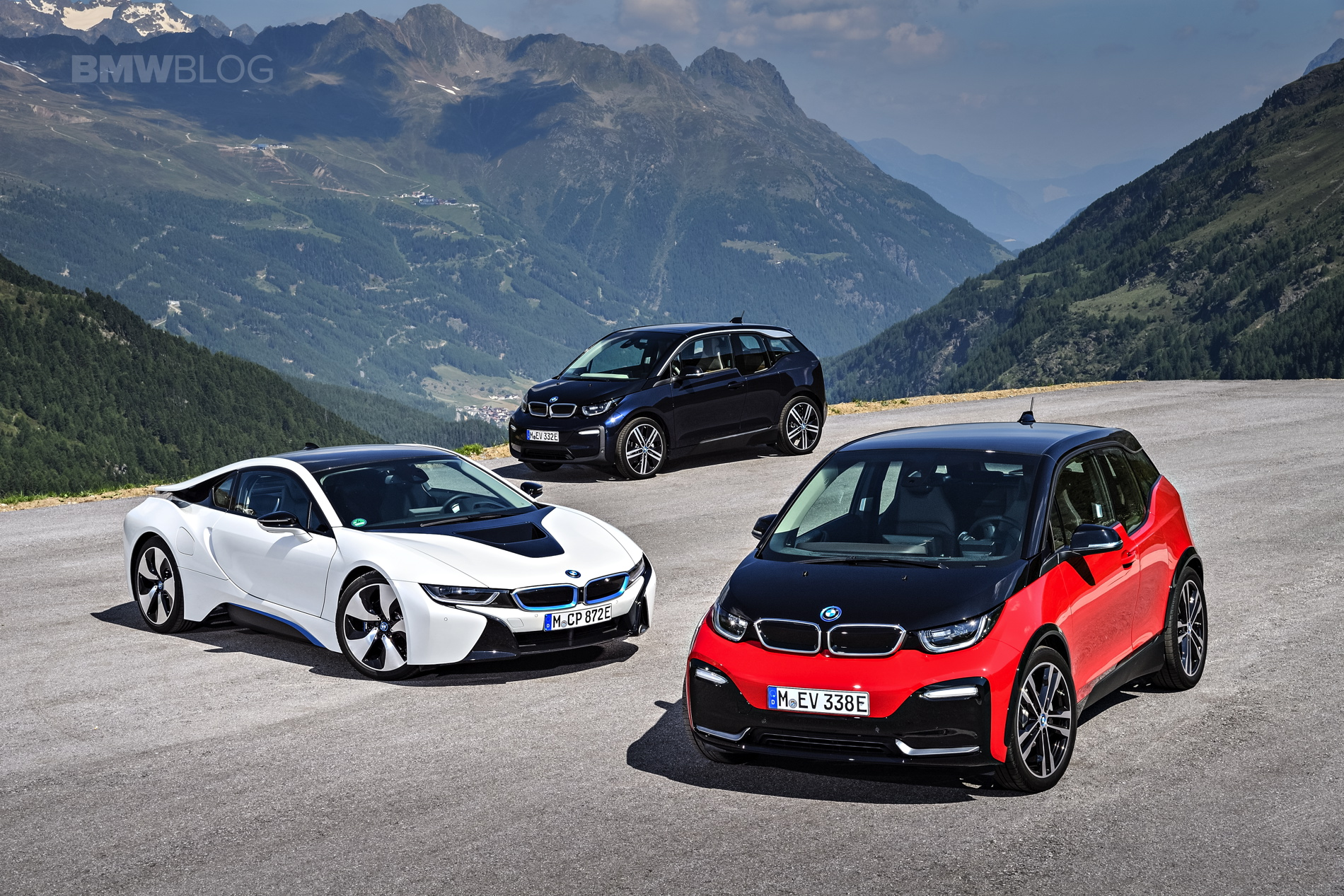 Family Photo Bmw I3 Facelift I3s And I8 Hybrid