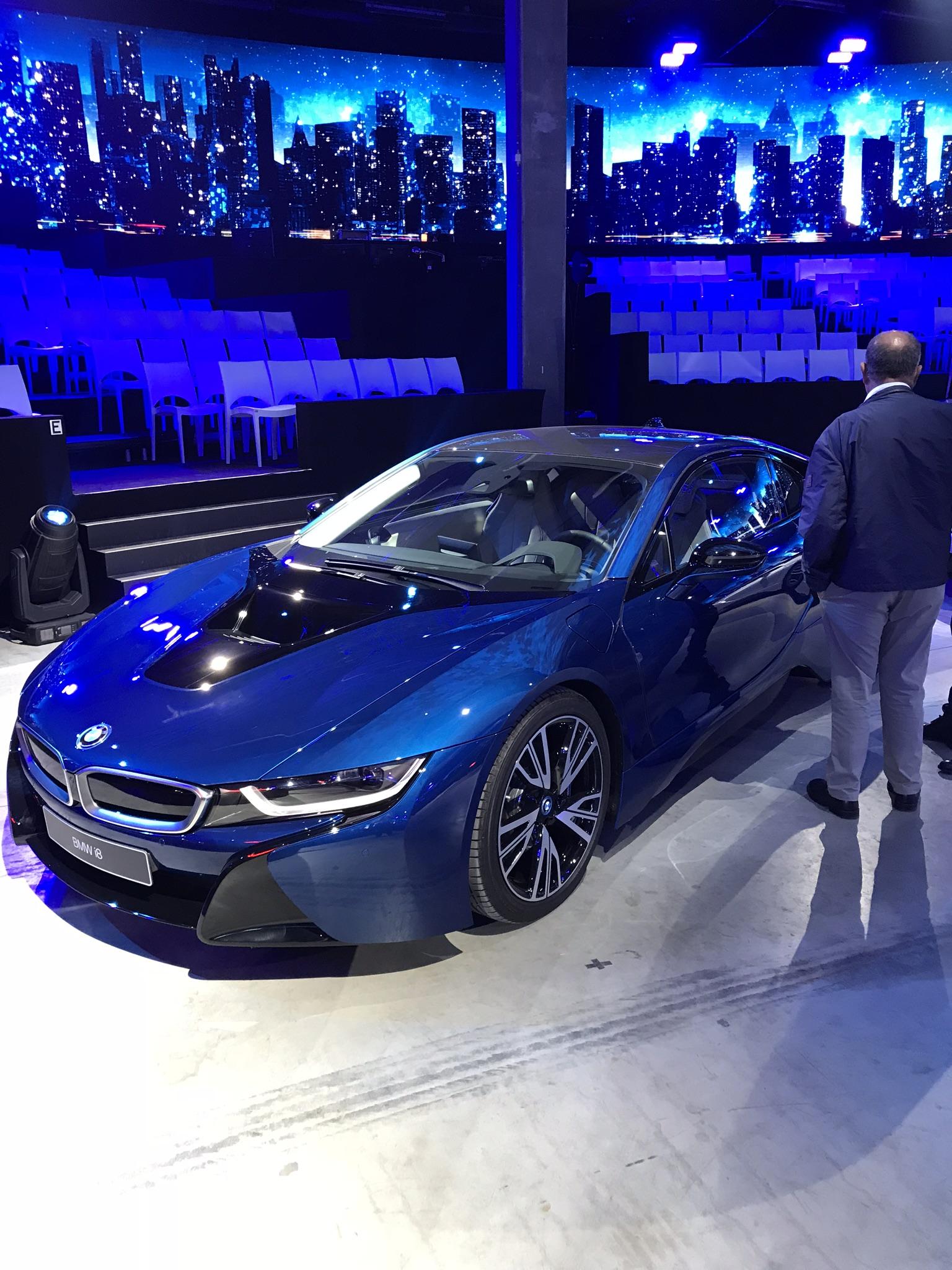 BMW i8 Avus Blue