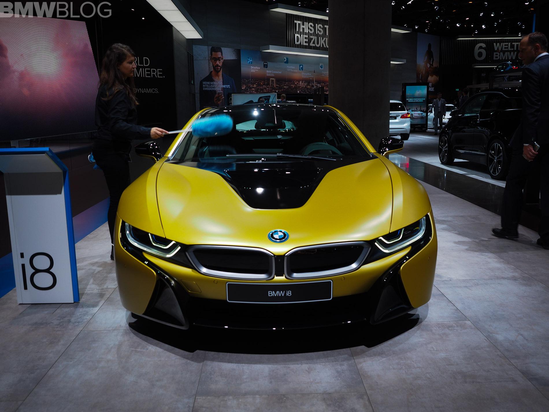 BMW i8 Frozen Yellow 1