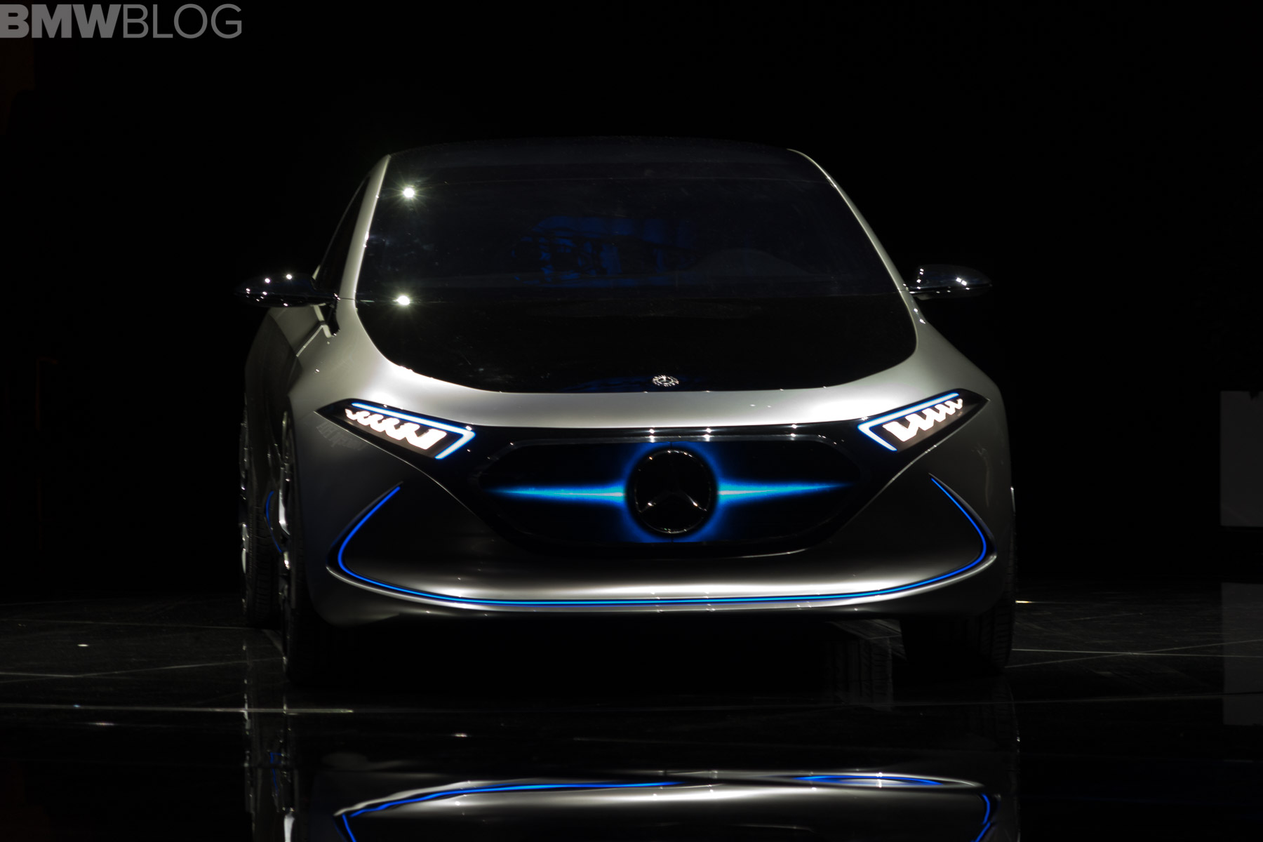 Mercedes-Benz EQA Concept is an electric hatch that can change its ...