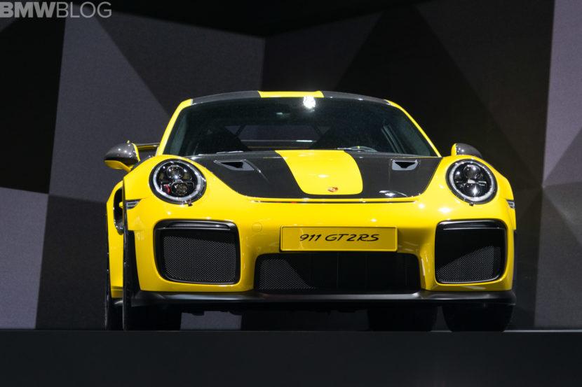 Porsche 911 GT2 RS 1 830x553