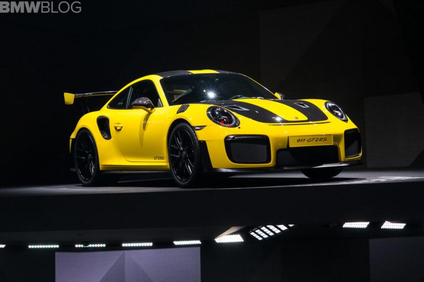 Porsche 911 GT2 RS 2 830x553