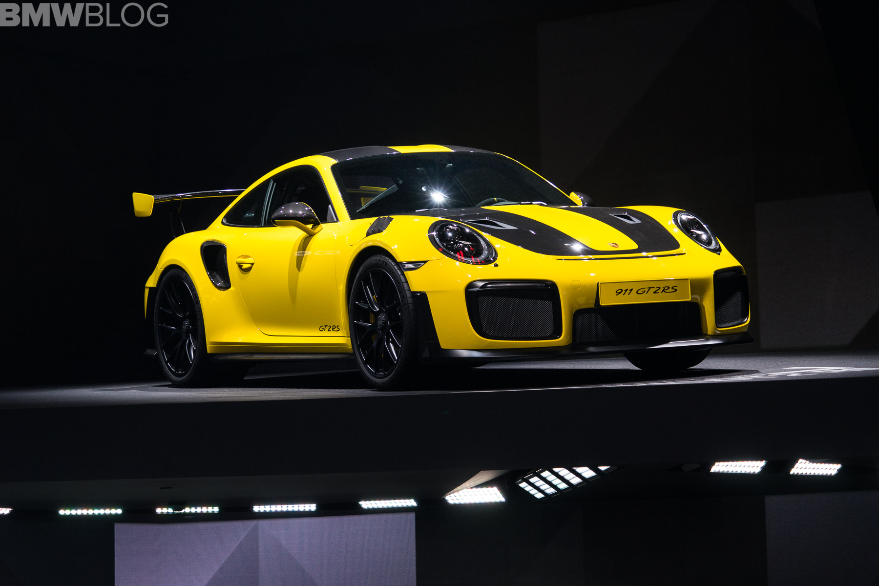 Porsche S Latest Hot Race Car Comes To Frankfurt 911 Gt2 Rs