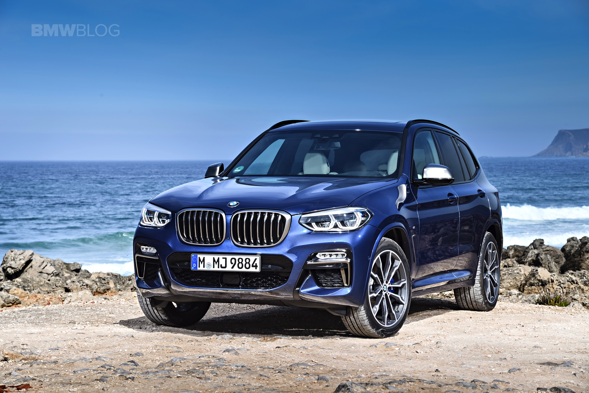 2018 BMW X3 M40i photoshoot 16