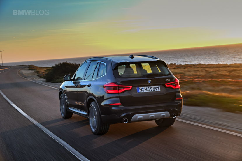 2018 BMW X3 xDrive30D photoshoot 43 830x553