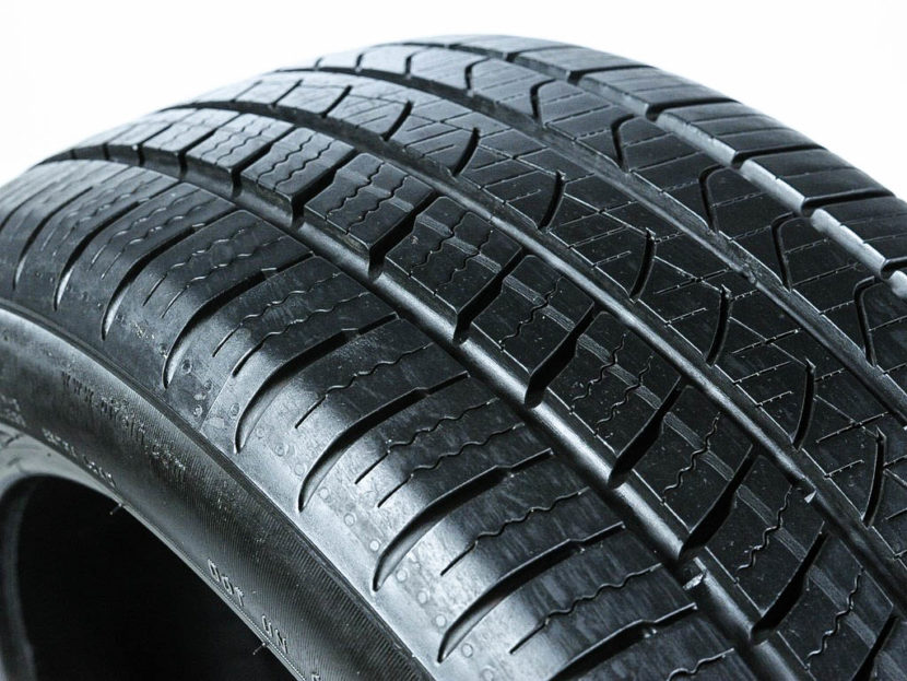 Pirelli P Zero All Season Plus 830x623