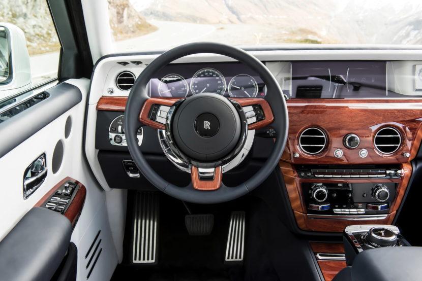 Rolls Royce Phantom VIII 35 830x554
