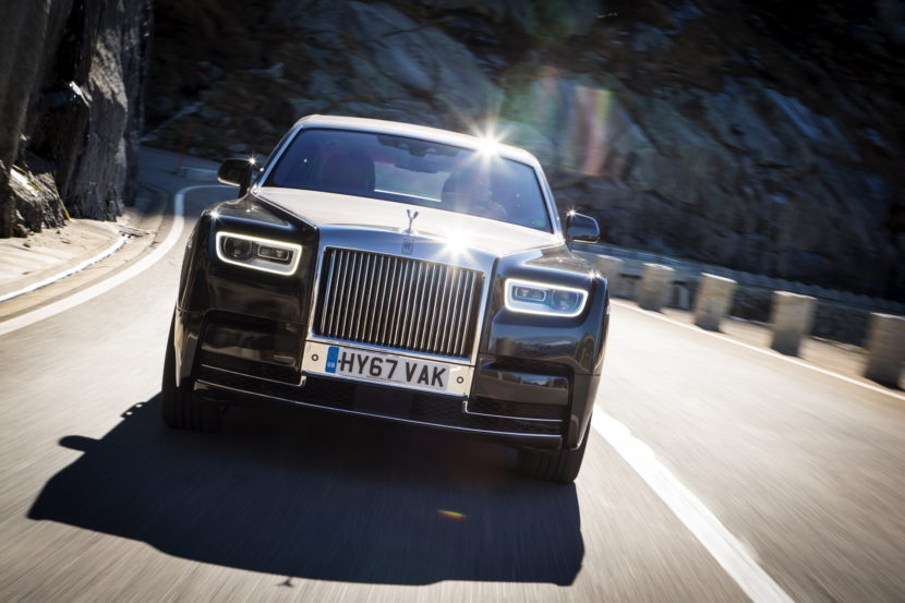 Rolls Royce Phantom VIII 82 830x553