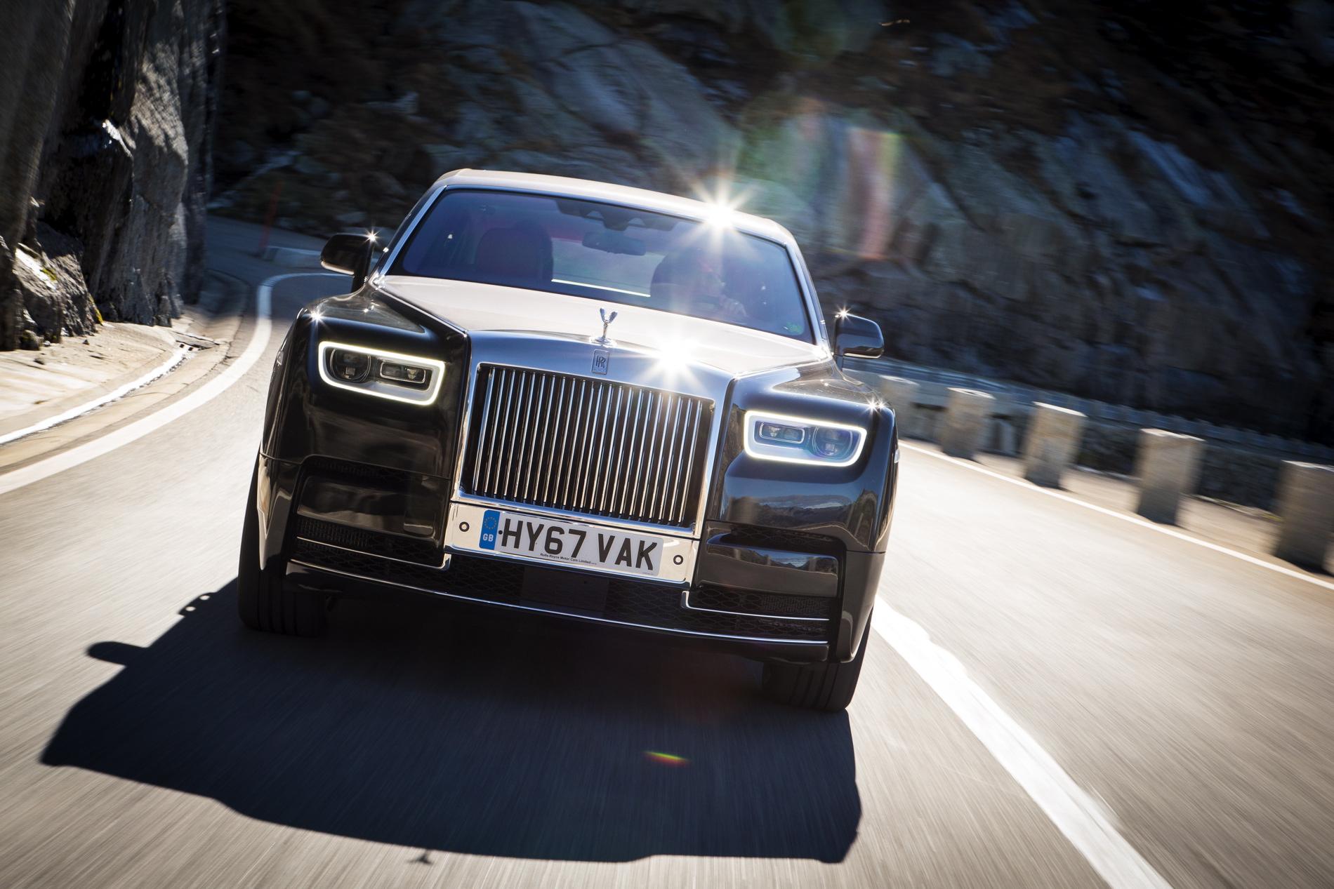 Rolls Royce Phantom VIII 82