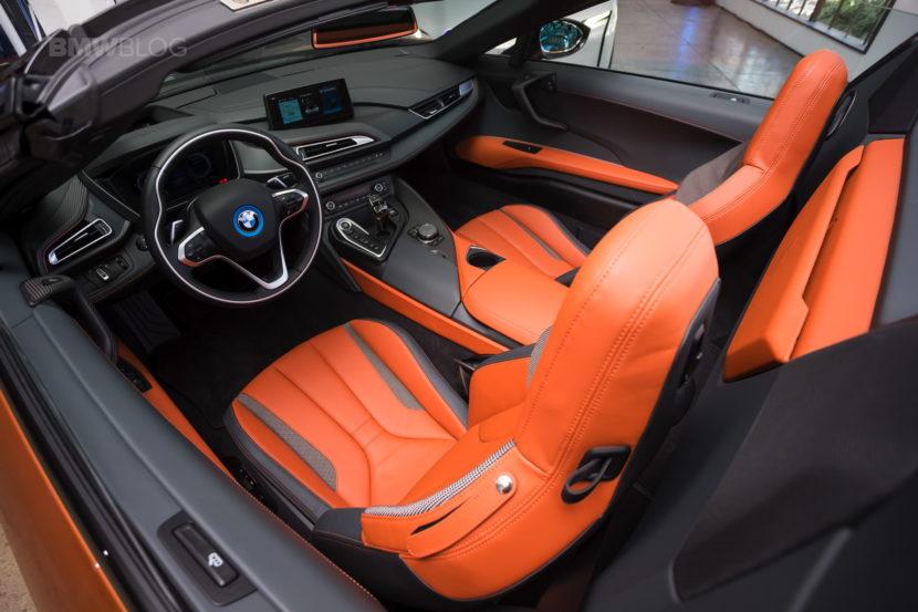 2018 BMW i8 Roadster 19 830x553
