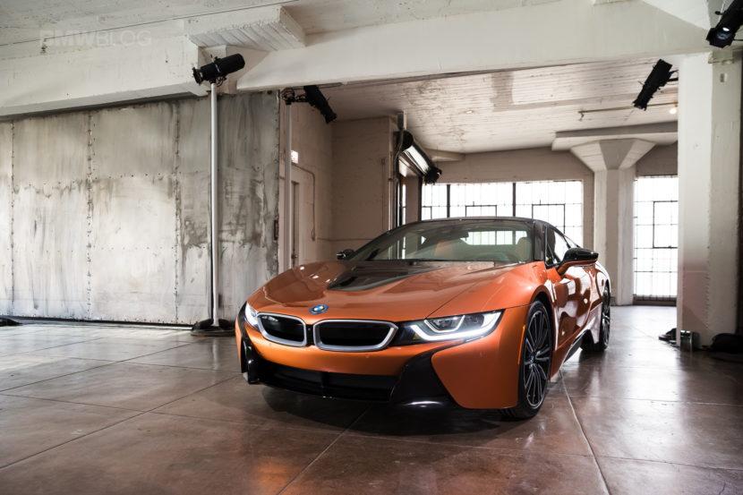 2018 BMW i8 Roadster 26 830x553