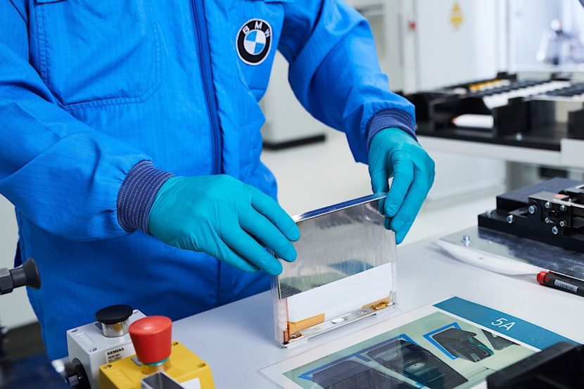 BMW Battery CenterP90286377 highRes 830x553