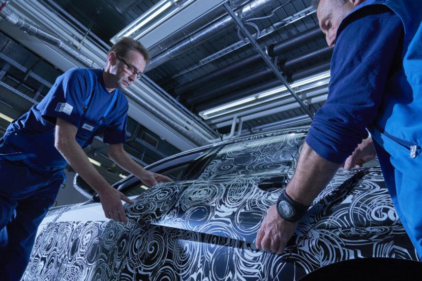 BMW Erlkoenig Tarn Werkstatt 3er G20 11 830x554