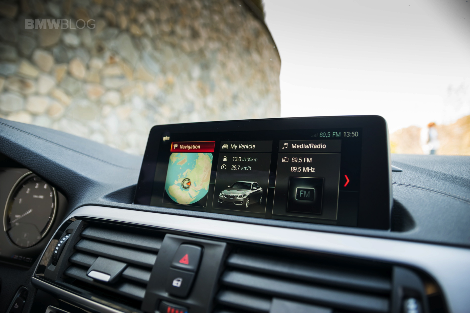 Video: A Detailed Look at the BMW iDrive 6 0 Infotainment System