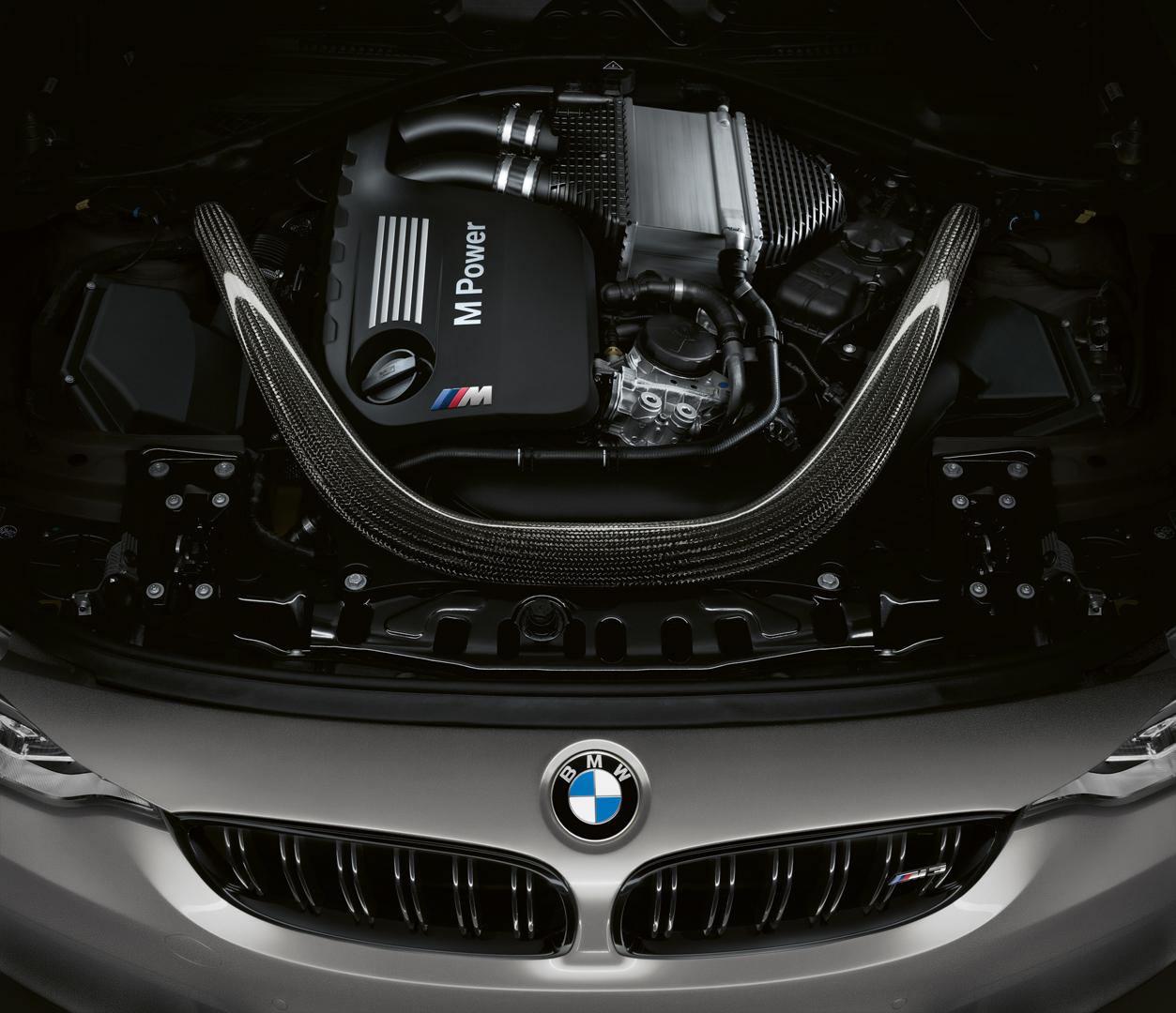 BMW M3 CS 2