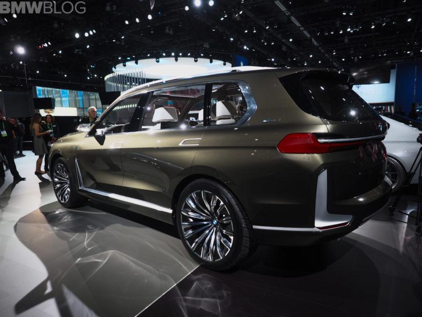BMW X7 LA AUTO SHOW 6 830x623