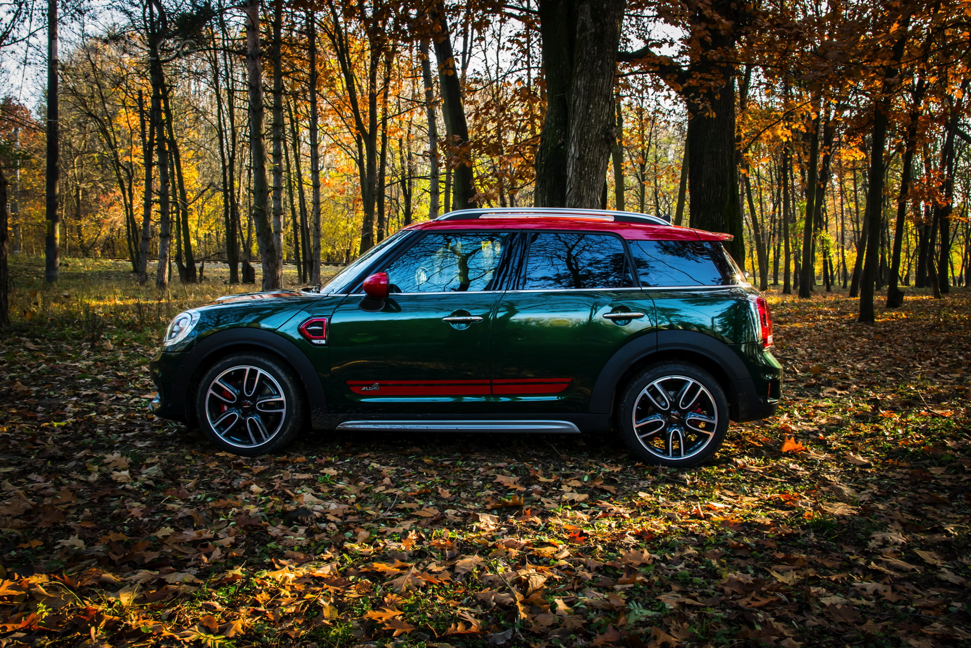 Of Course Mini Had To Adapt The Trademark Styling People Have Been Getting Used A New Shape That Isn T Exactly Most Gracious