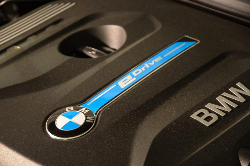 BMW 330e iPerformance M Performance Parts 35 830x553