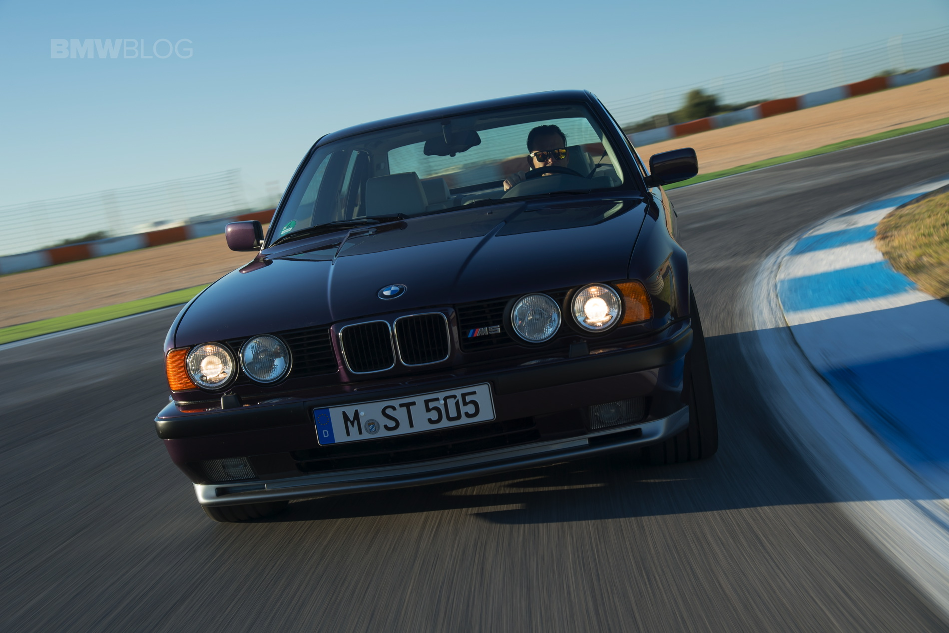 BMW E34 M5 photos 03