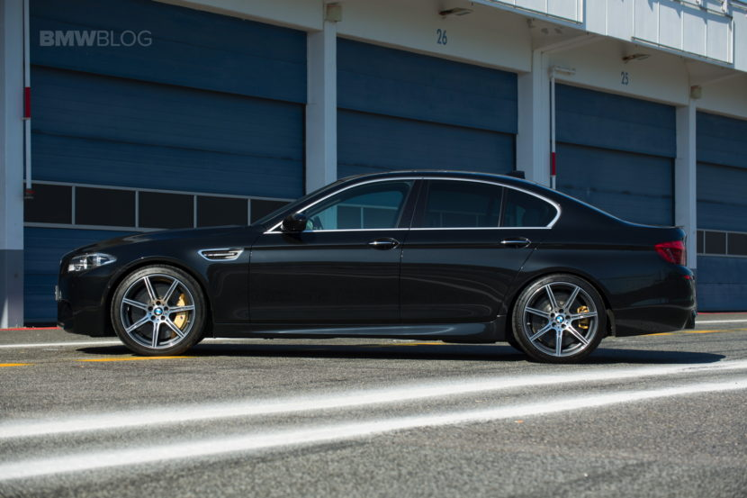 BMW F10 M5 photos 01 830x553