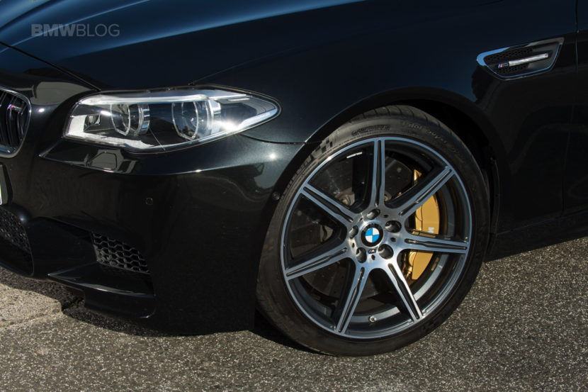 BMW F10 M5 photos 06 830x553