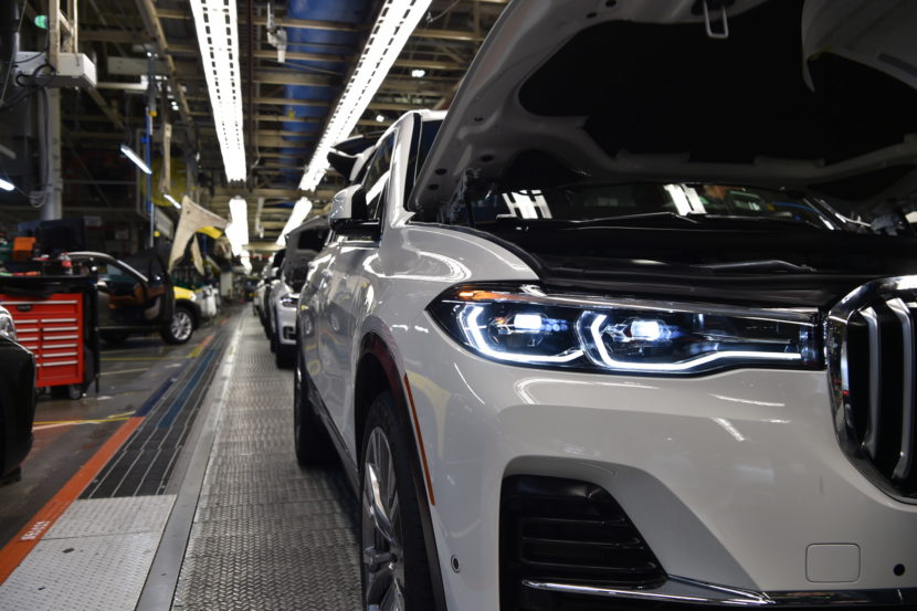 BMW X7 production 17 830x553