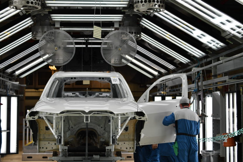 BMW X7 production 29 830x553