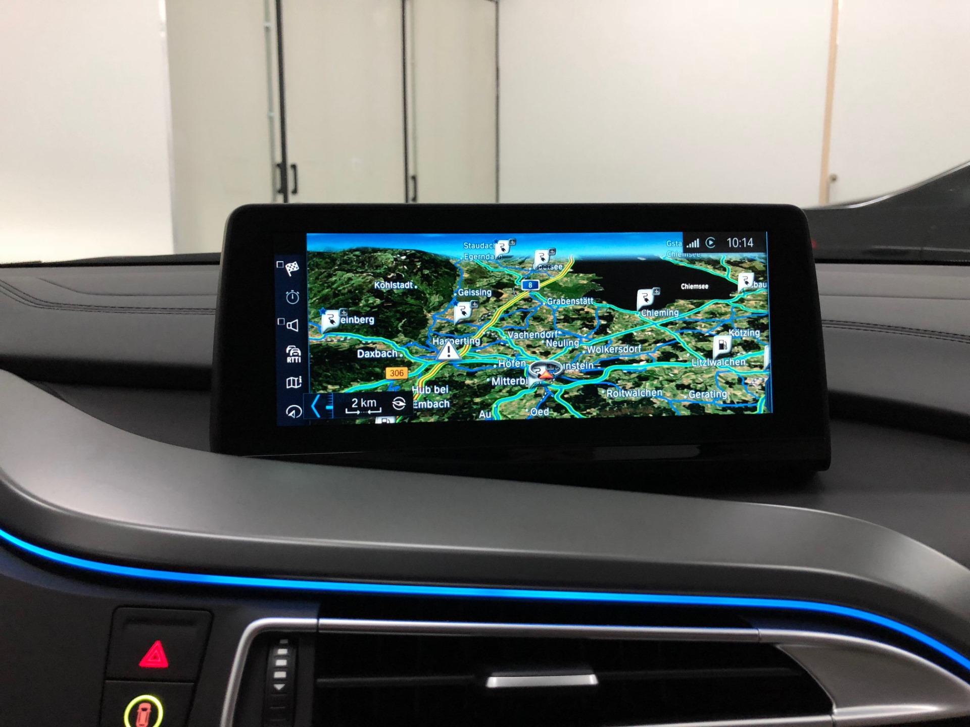 BMW i8 iDrive ID6 Umbau 2018 Infotainment Bimmer Manufaktur 03