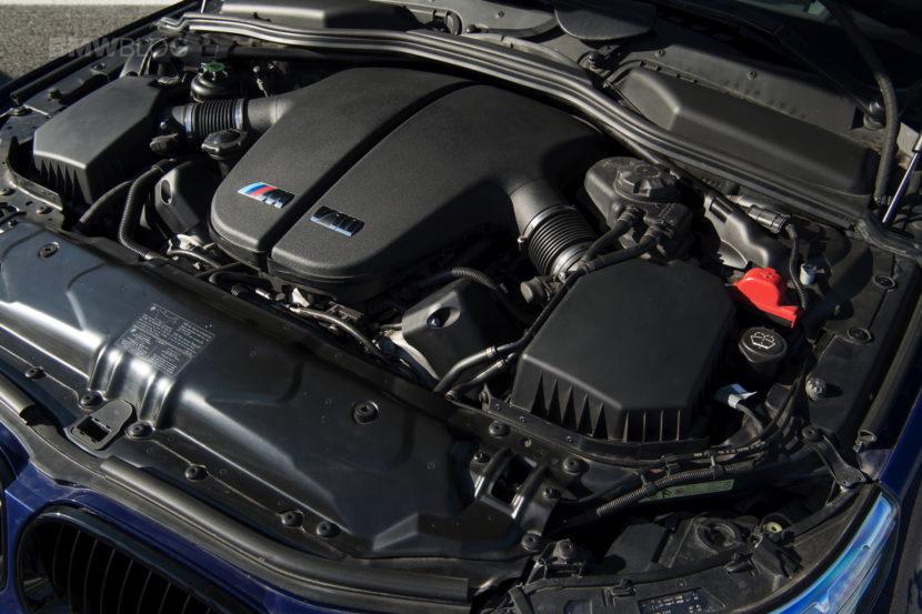 E60 BMW M5 35 830x553