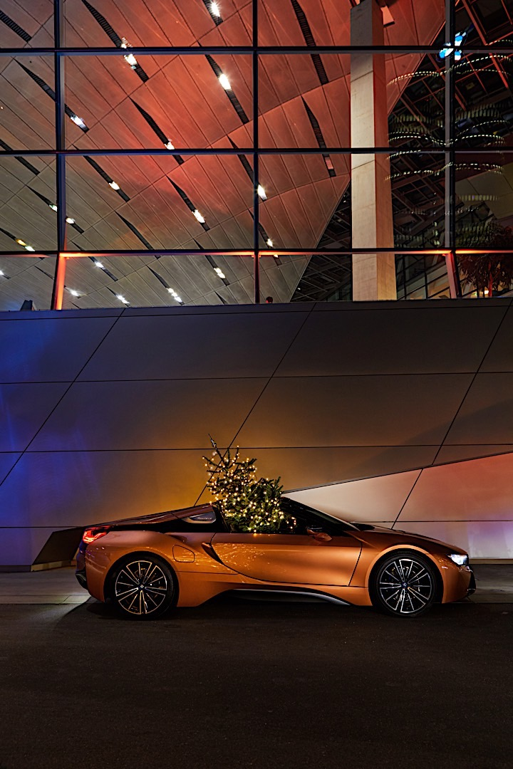Merry Christmas Powered by BMW P90289234 highRes