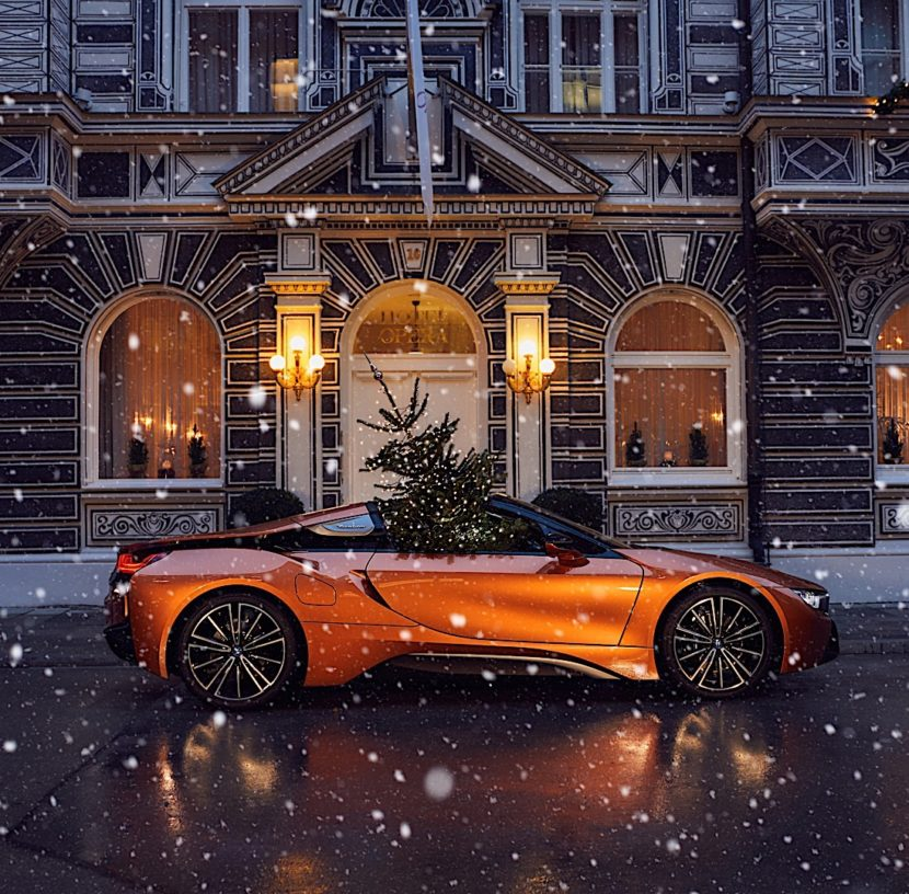 Merry Christmas Powered by BMW P90289235 highRes 830x816
