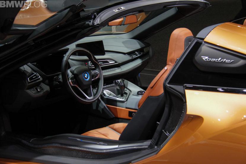 2018 BMW i8 Roadster 4 830x553