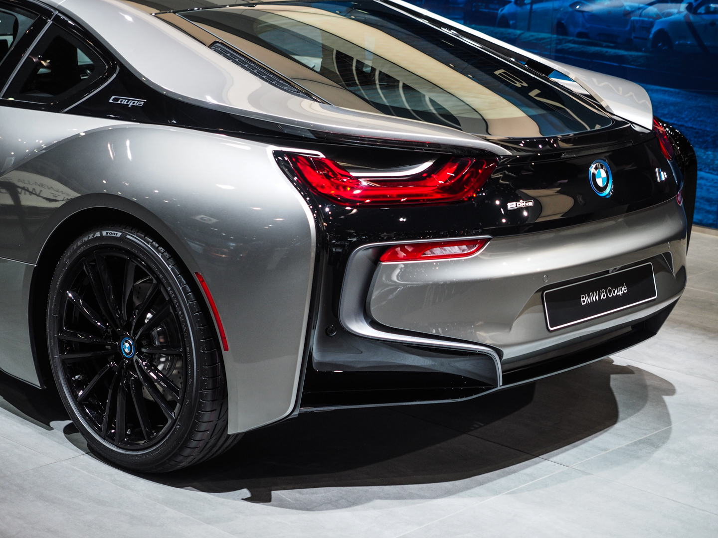Olympus Digital Camera 2018 Detroit Auto Showbmw I8